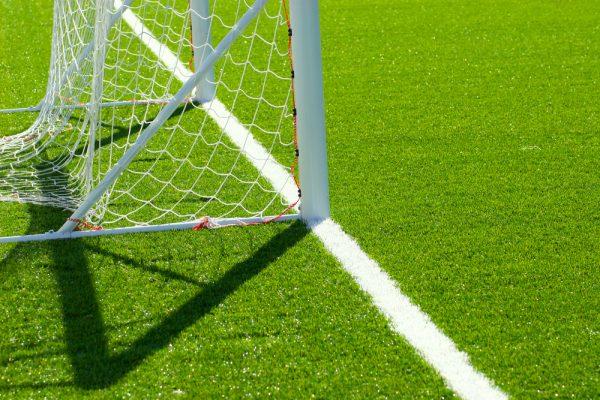 fotbollsplan konstgräs